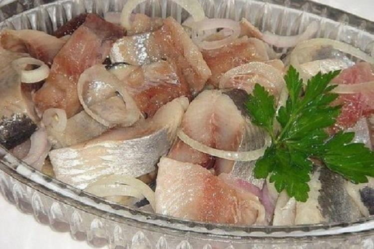 Рецепты маринования свежей селедки